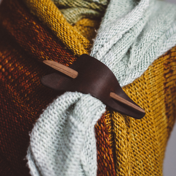 Purl & Hank Triangle Shawl Pin