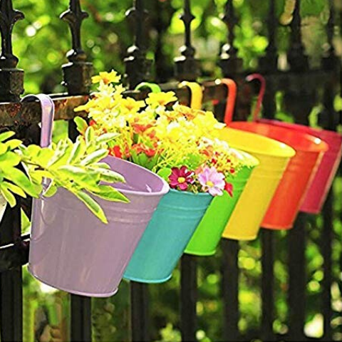 Hanging flower pots from wudore.com