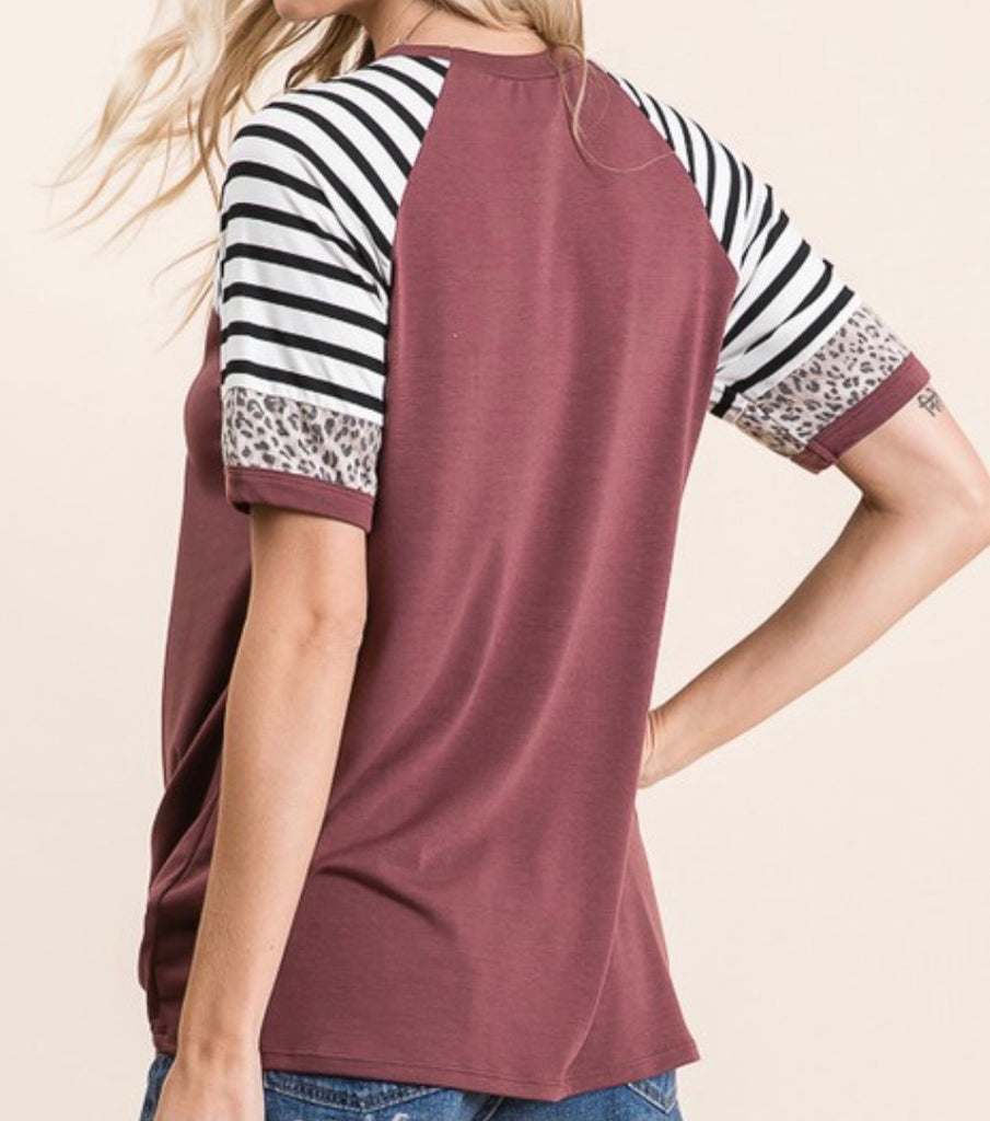 Red Brown Stripe & Leopard Print Contrast Tee (Curvy)