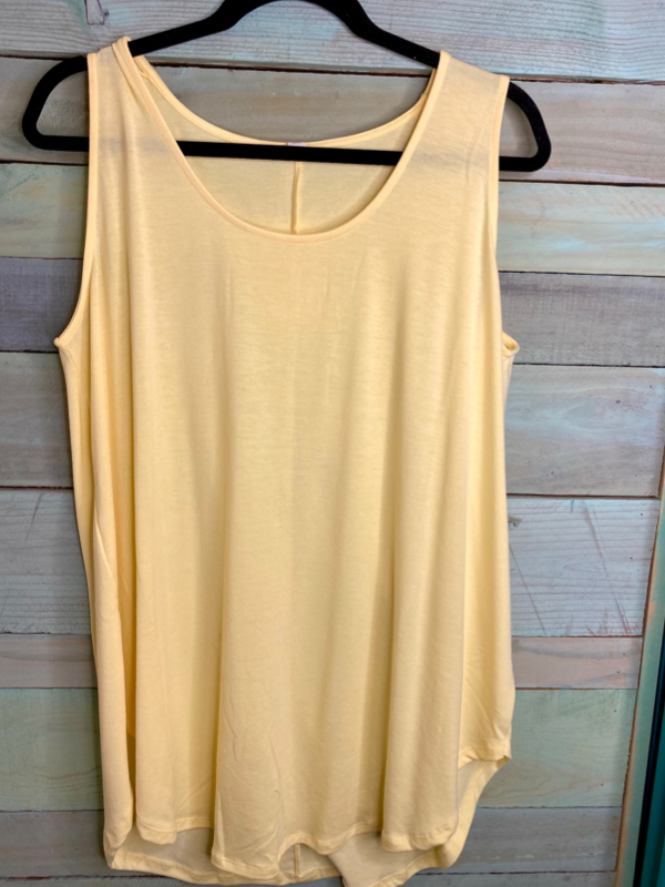 Solid Favorite Tank Curvy (3 Colors)