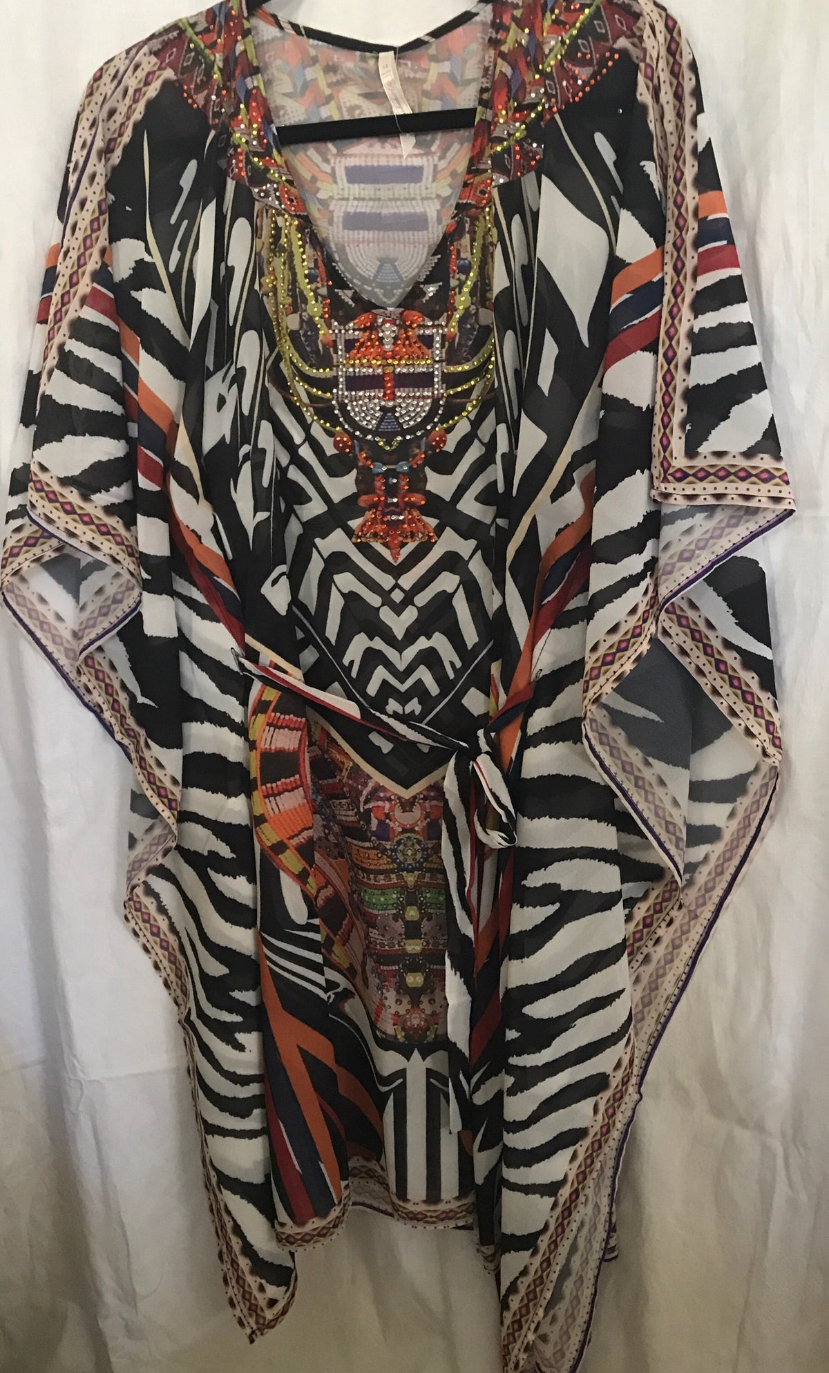 Medium length kaftan