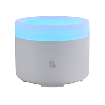 Liv USB Aroma Diffuser White with Travel Bag