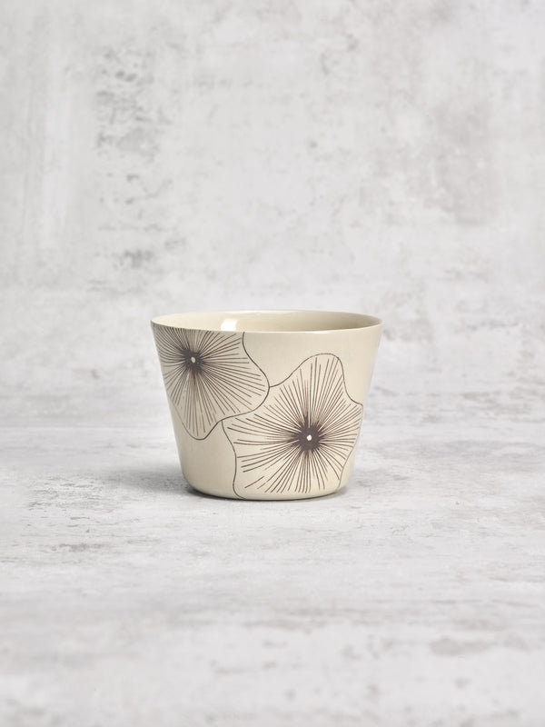 Tasse à thé Coral Flower-TASSES-Three Seven Paris- Ceramic Plates, Platters, Bowls, Coffee Cups. Animal Designs, Zebra, Flamingo, Elephant. Graphic Designs and more.