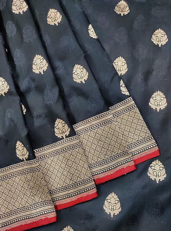 Black Katan silk handloom tanchoi Banarasi saree with mughal booti (2) CLOSEUP