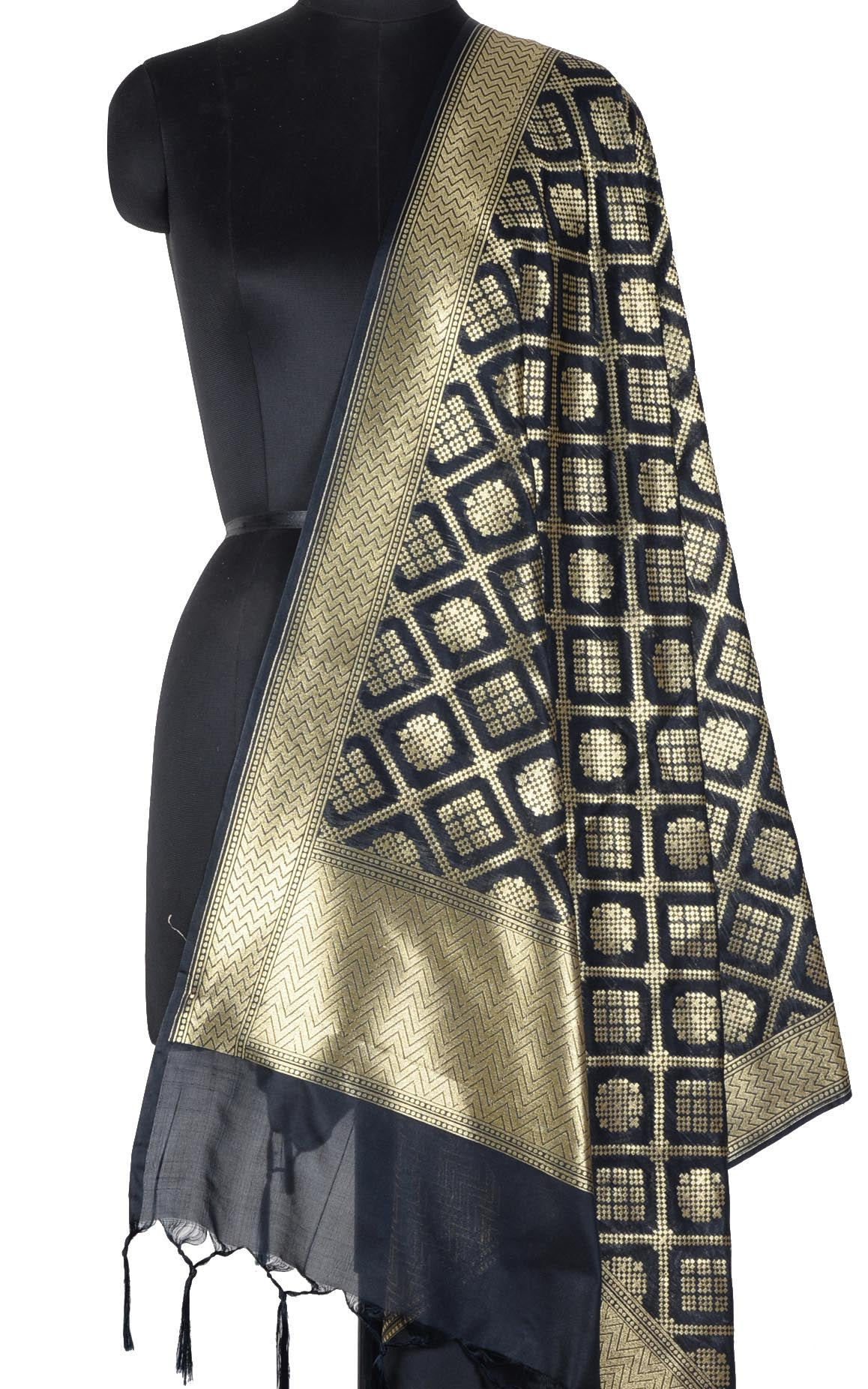 Black Banarasi dupatta with gharchola jaal (1) Main