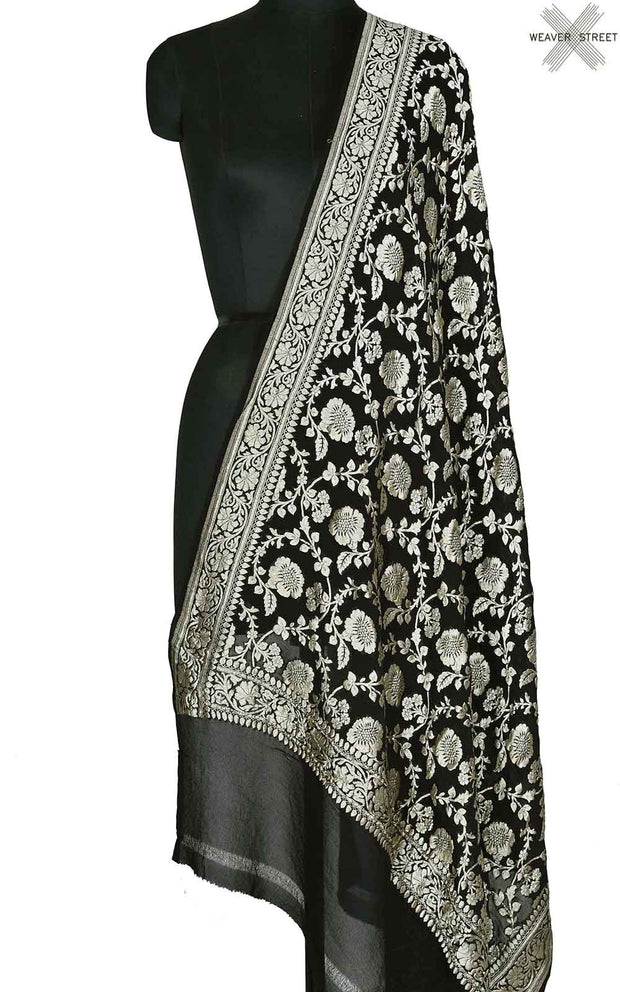 Black khaddi georgette Banarasi dupatta with floral jaal (1) Main
