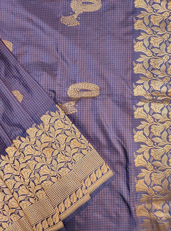 Blue Katan silk handloom Banarasi checkered saree with kadwa bracelet boota (2) close up