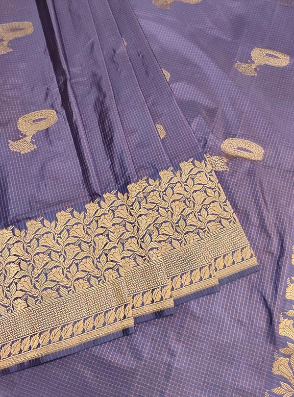 Blue Katan silk handloom Banarasi checkered saree with kadwa bracelet boota (3) center