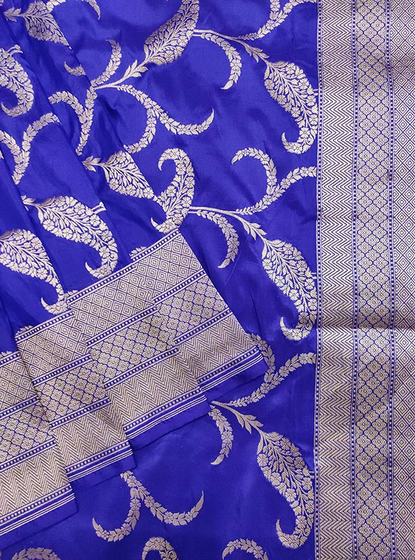 Blue Katan silk handloom Banarasi saree with paisley jaal (2) close up