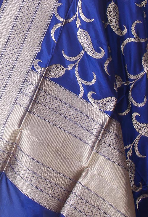 Blue Katan Silk Banarasi dupatta with Paisley leaf jaal (2) closeup