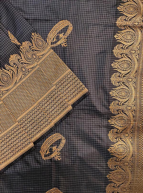 Bluish grey Katan silk handloom Banarasi checkered saree with kadwa bracelet boota (2) close up