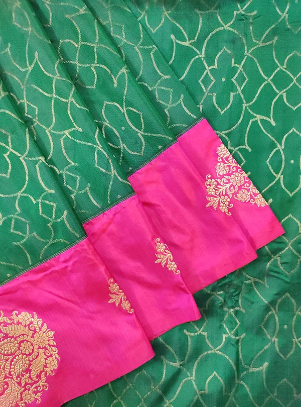 Bottle green katan silk Banarasi saree with tanchoi rangoli pattern (2) close up