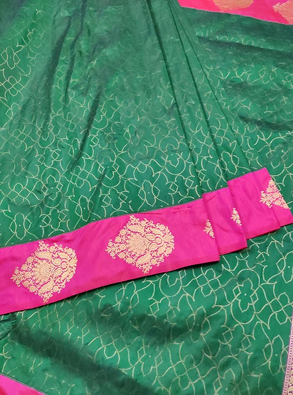 Bottle green katan silk Banarasi saree with tanchoi rangoli pattern (3) center