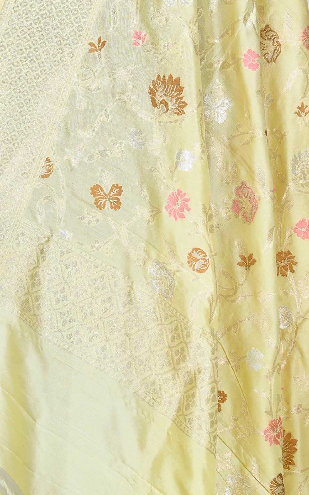 Cream Katan silk Banarasi dupatta with aesthetic meenedar floral jaal (2) Close up
