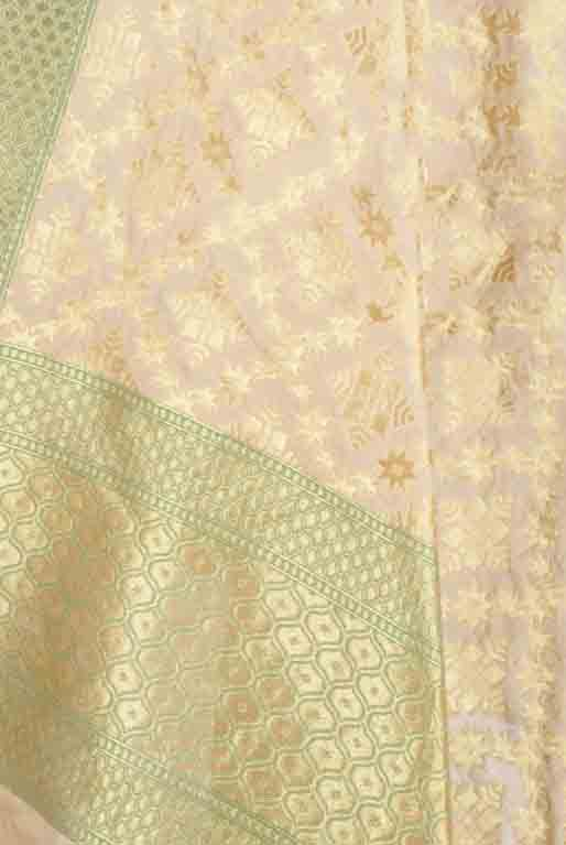 Cream Banarasi dupatta with geometrical motifs and jaal (2) Closeup