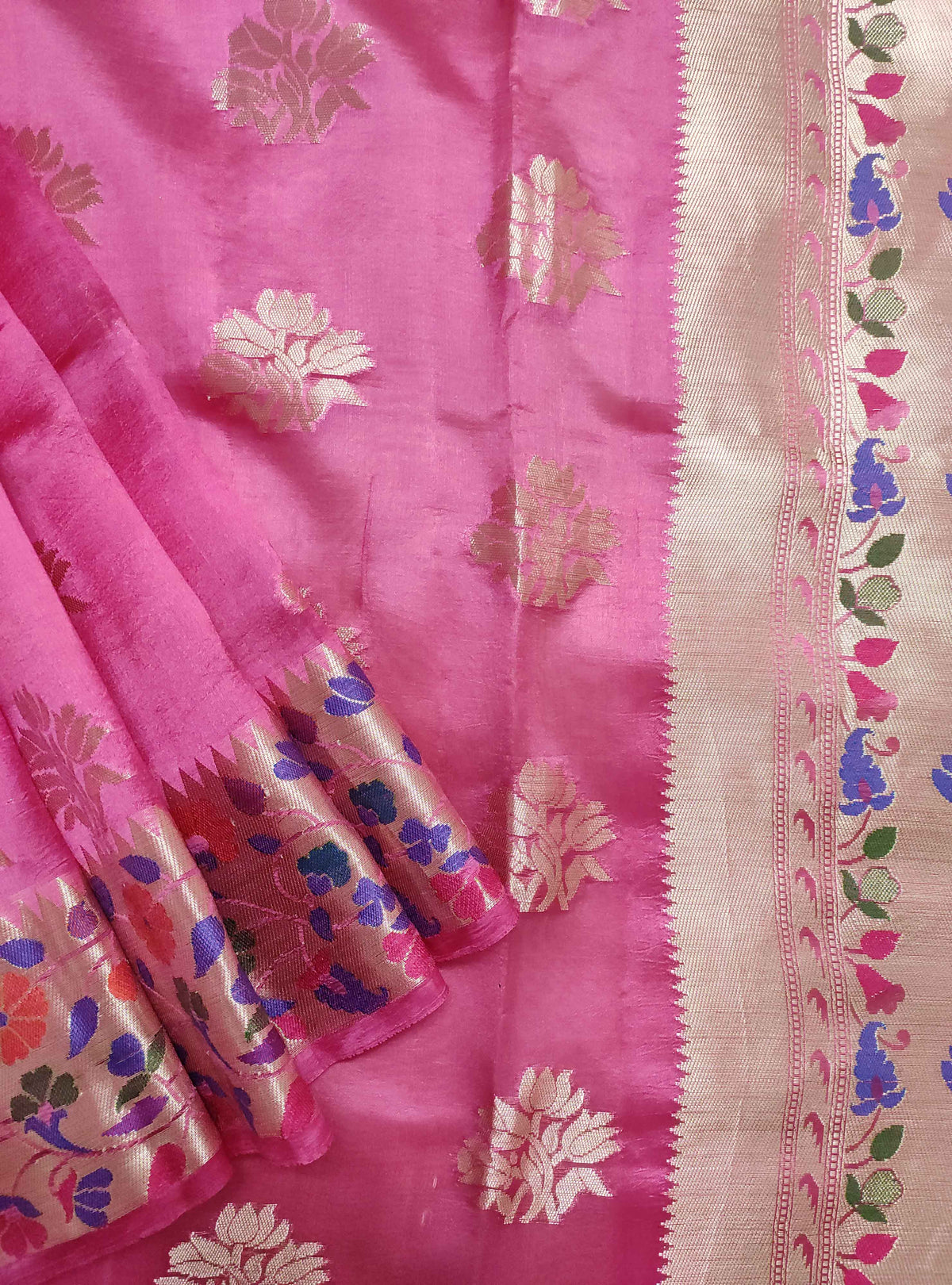Deep pink dupion silk Banarasi saree with flower boota and meenedar border (2) Close up