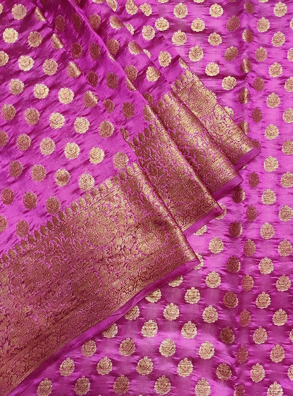Deep magenta light weight chiniya silk Banarasi saree with mini flower booti (2) close up