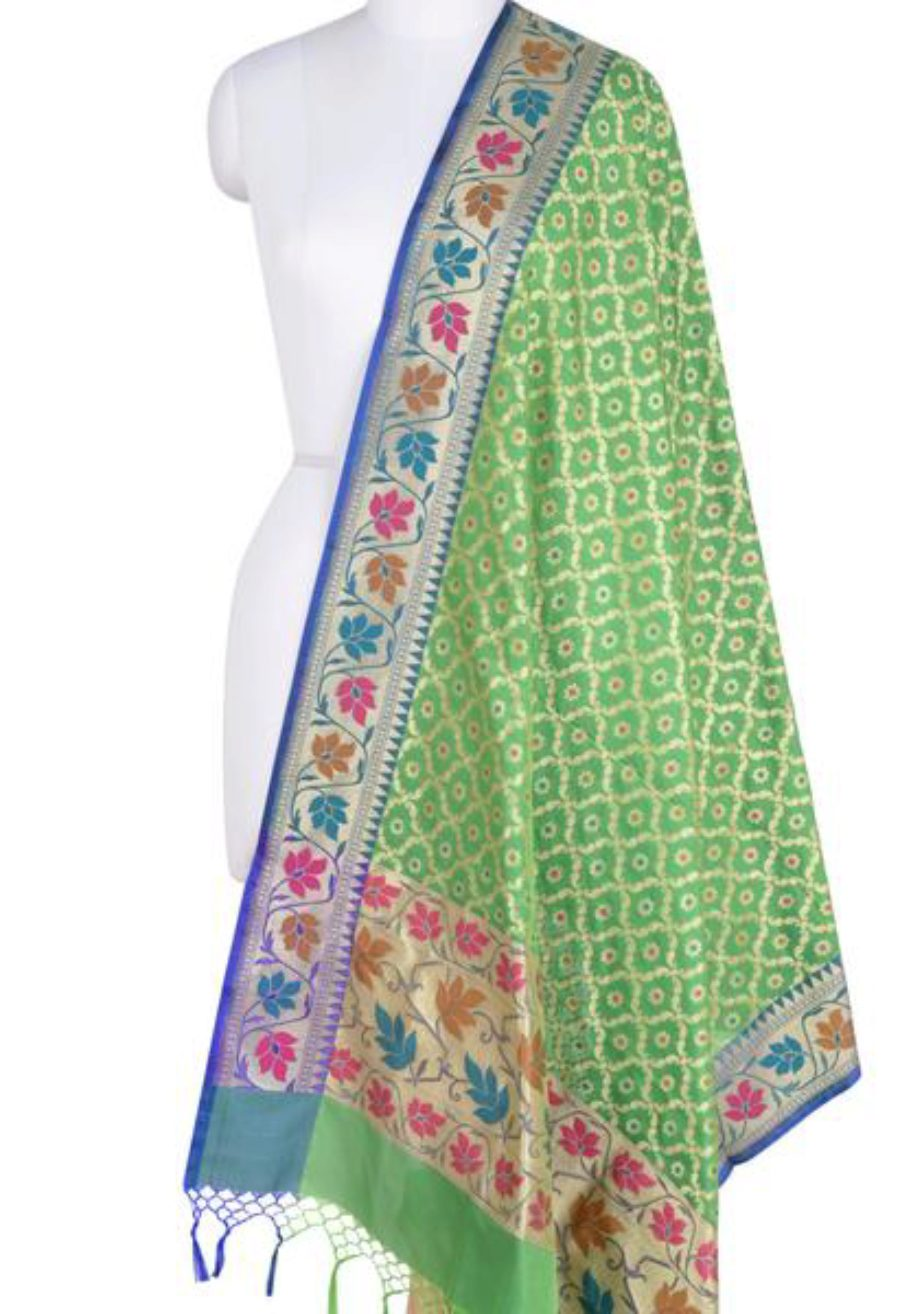 Green Banarasi Dupatta with leaf jaal and floral motifs (1) Main