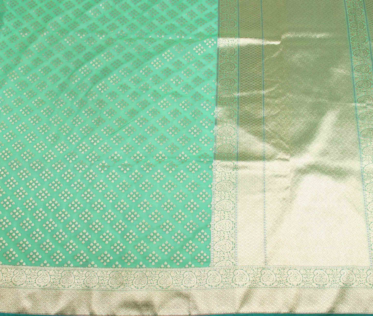 Green Banarasi Saree with drop motifs (2) flat