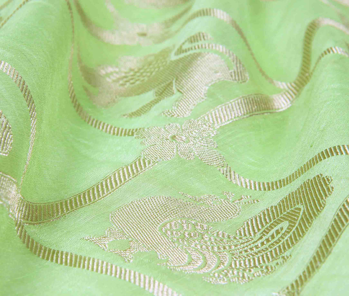 Green Linen Banarasi saree with lion boota (2) flat