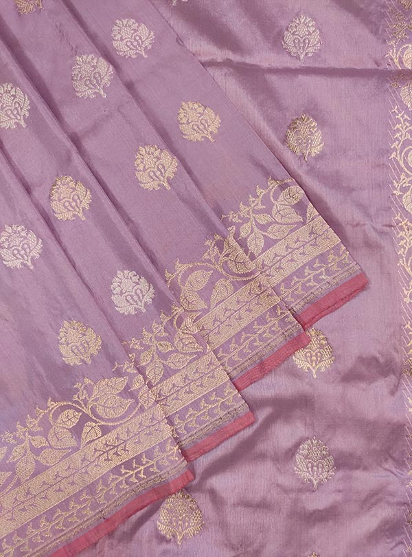 Light mauve katan silk Banarasi saree with sona rupa stylized booti (2) close up