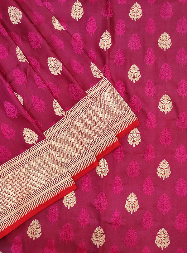 Magenta Katan silk handloom tanchoi Banarasi saree with mughal booti (2) close up