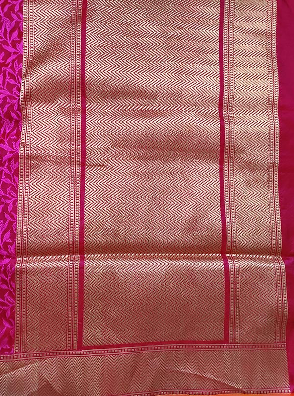 Magenta Red katan silk tanchoi Banarasi saree with kaduwa woven bird booti (4) anchal