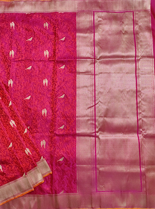Magenta Katan silk handloom Banarasi saree with bird booti tanchoi jaal (1) Main