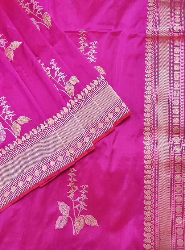 Magenta katan silk Banarasi saree with tulsi plant boota in sona rupa zari (2) close up