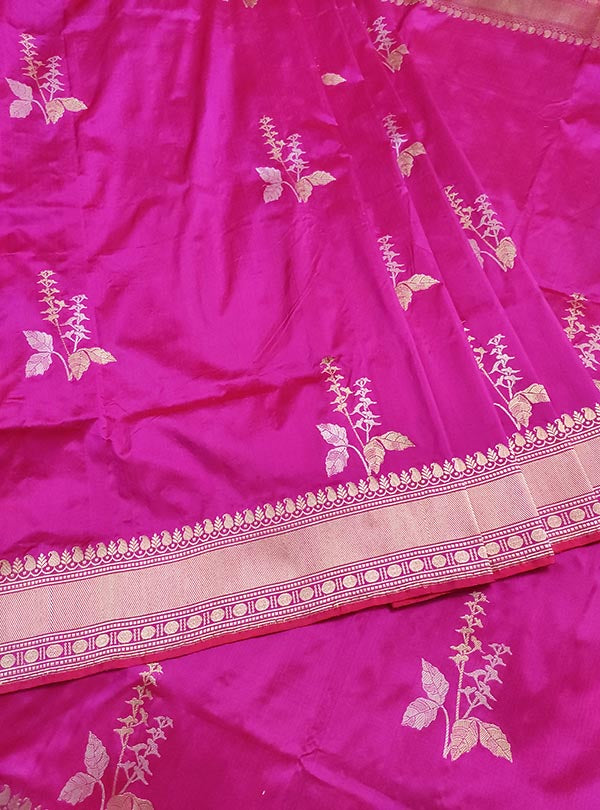 Magenta katan silk Banarasi saree with tulsi plant boota in sona rupa zari (3) center