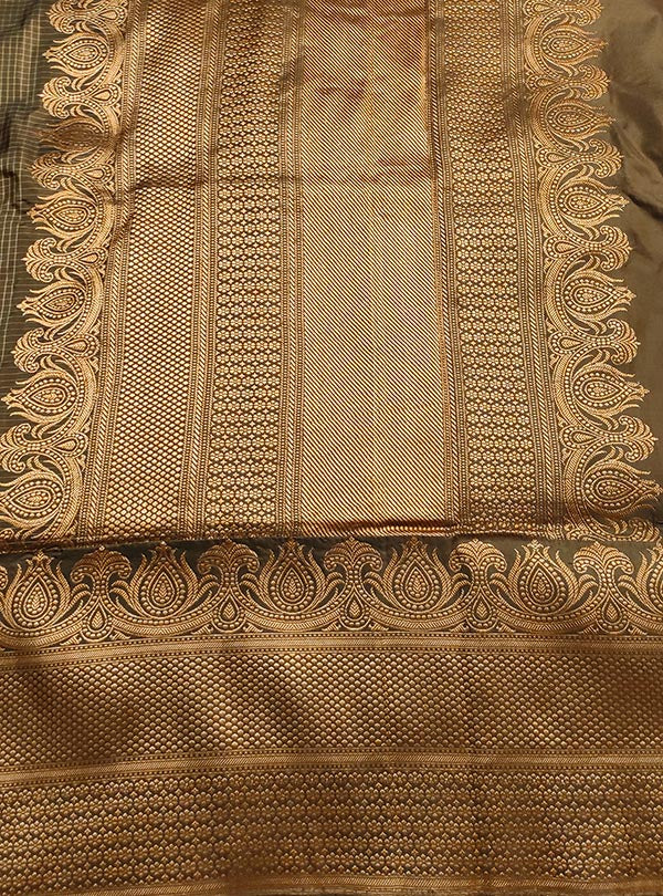 Mouse Brown Katan silk handloom Banarasi checkered saree with kadwa bracelet boota (4) anchal