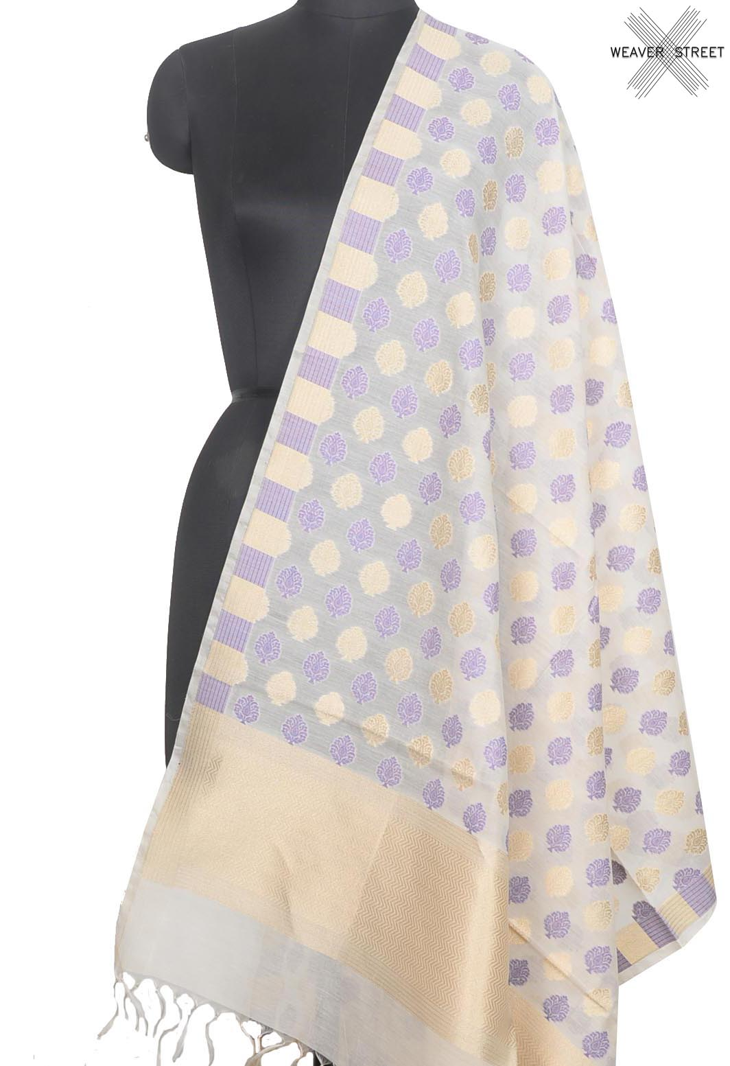 Off white Silk cotton Banarasi dupatta with leaf shape buta (1) Main