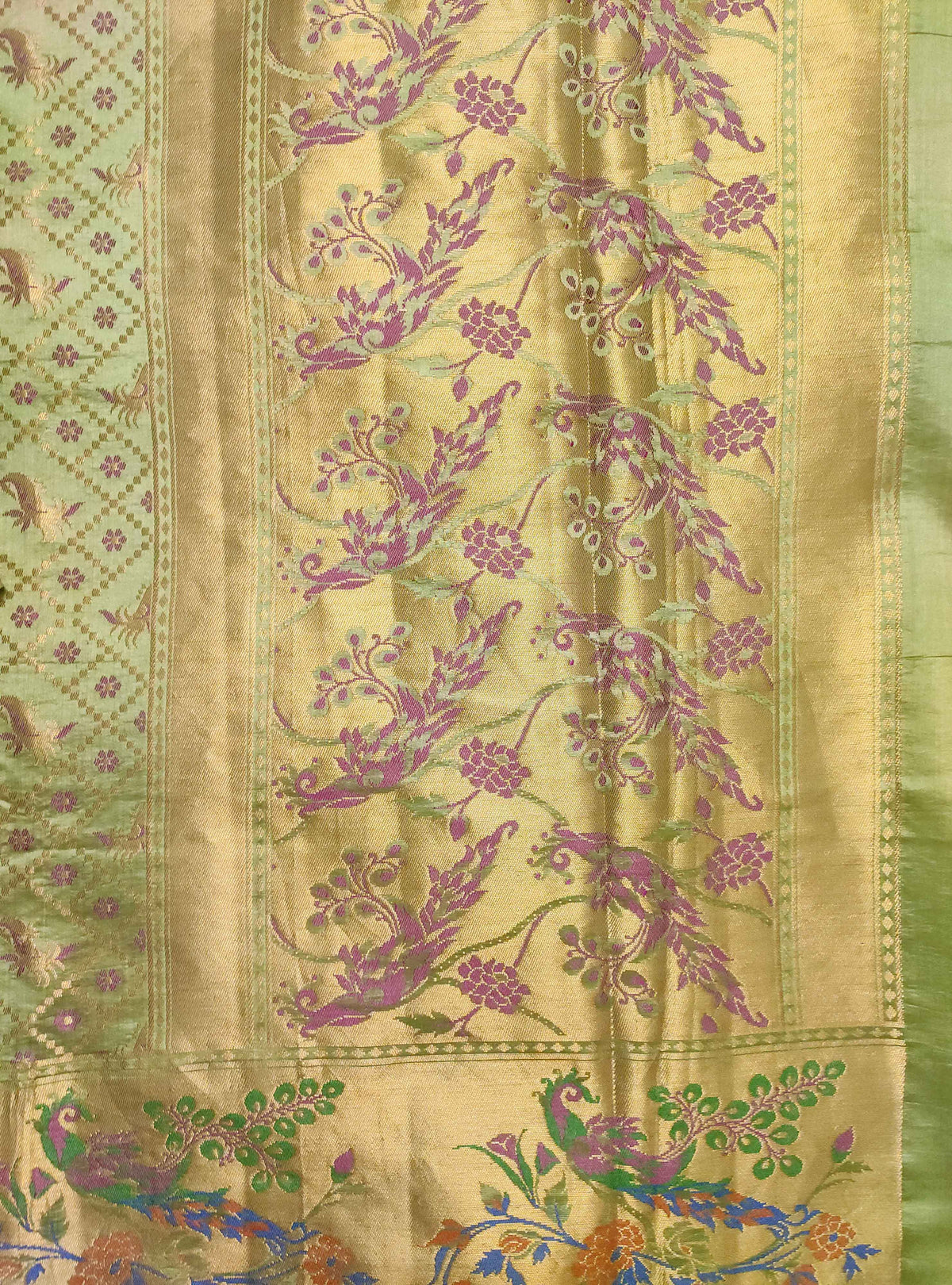 Olive green Muga Chiniya silk Banarasi saree with grid pattern jaal (4) Anchal