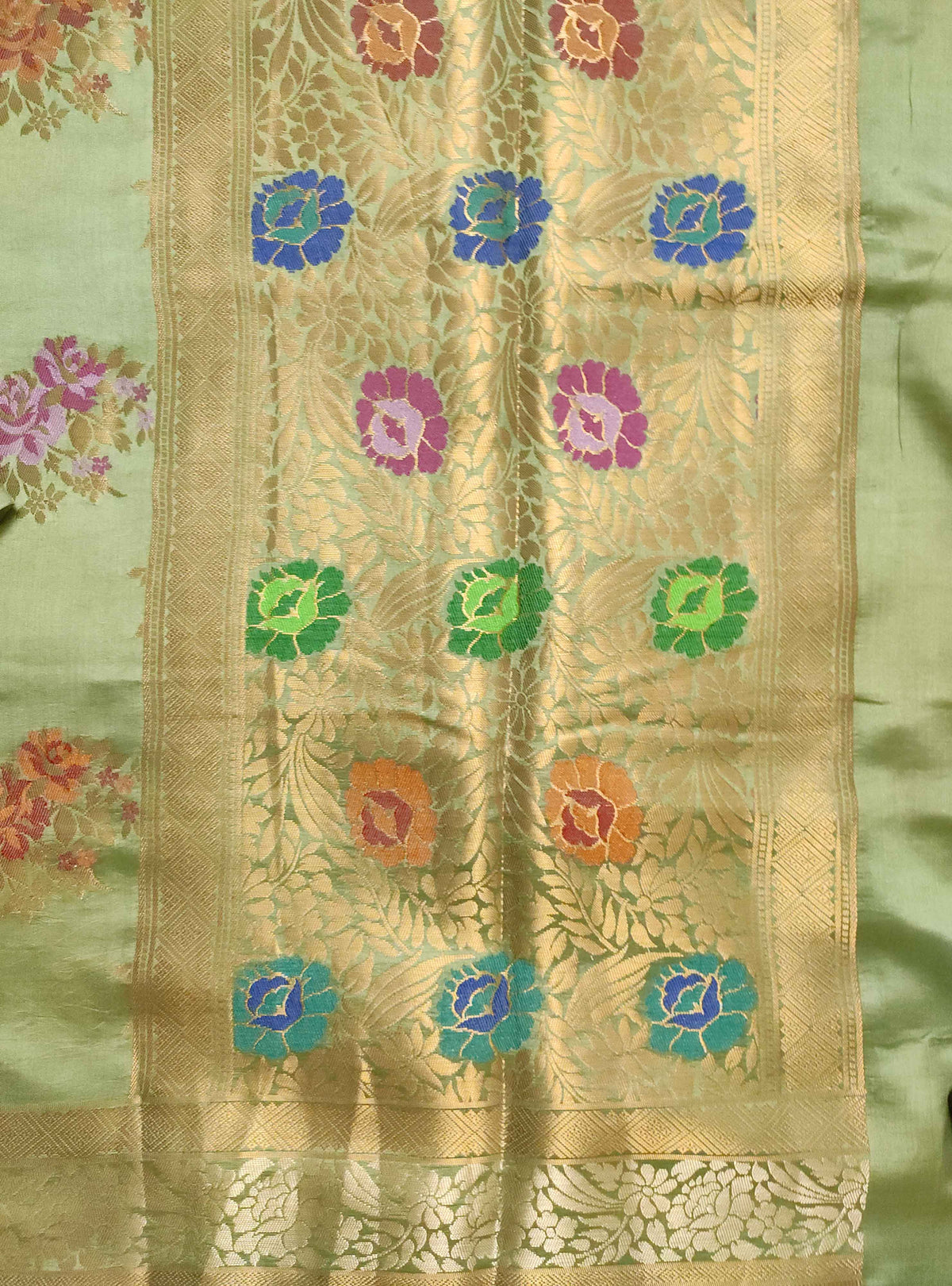 Olive green muga silk handloom Banarasi saree with tilfi flower bunch boota (4) Anchal