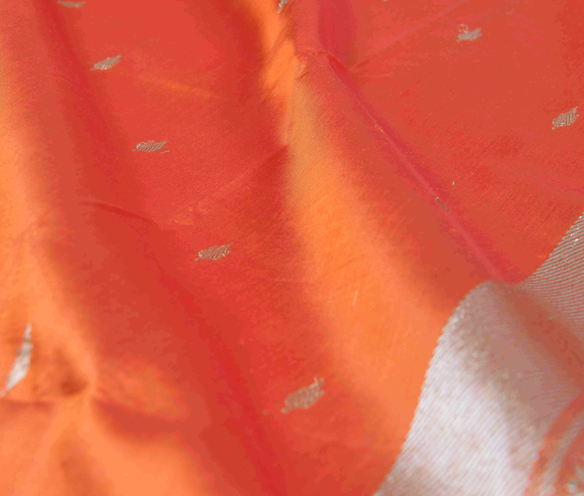 Orange Katan Silk Handwoven Banarasi saree with mini booti (3) Close up