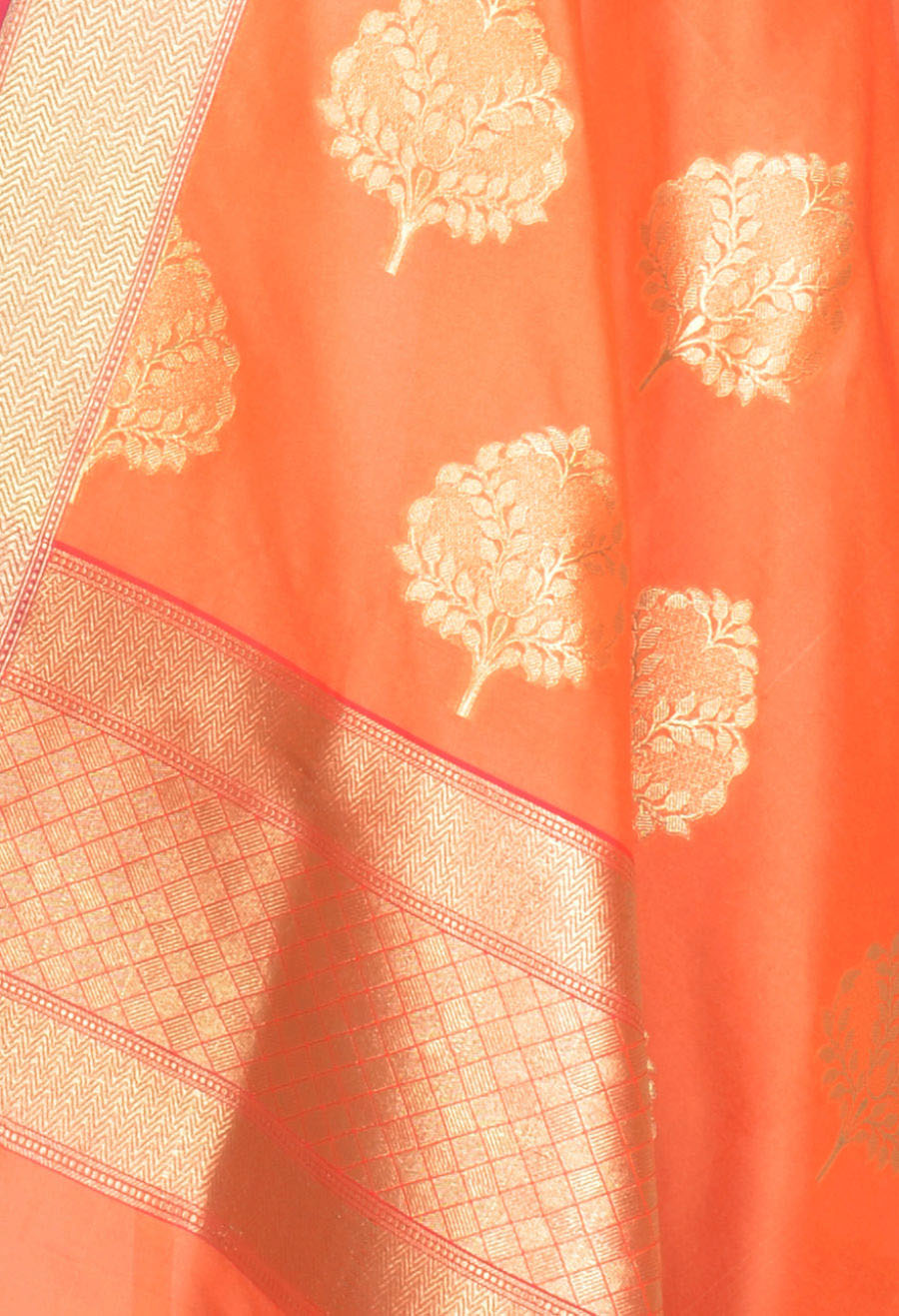 Peach Banarasi dupatta with tree boota in gold (2) Close up