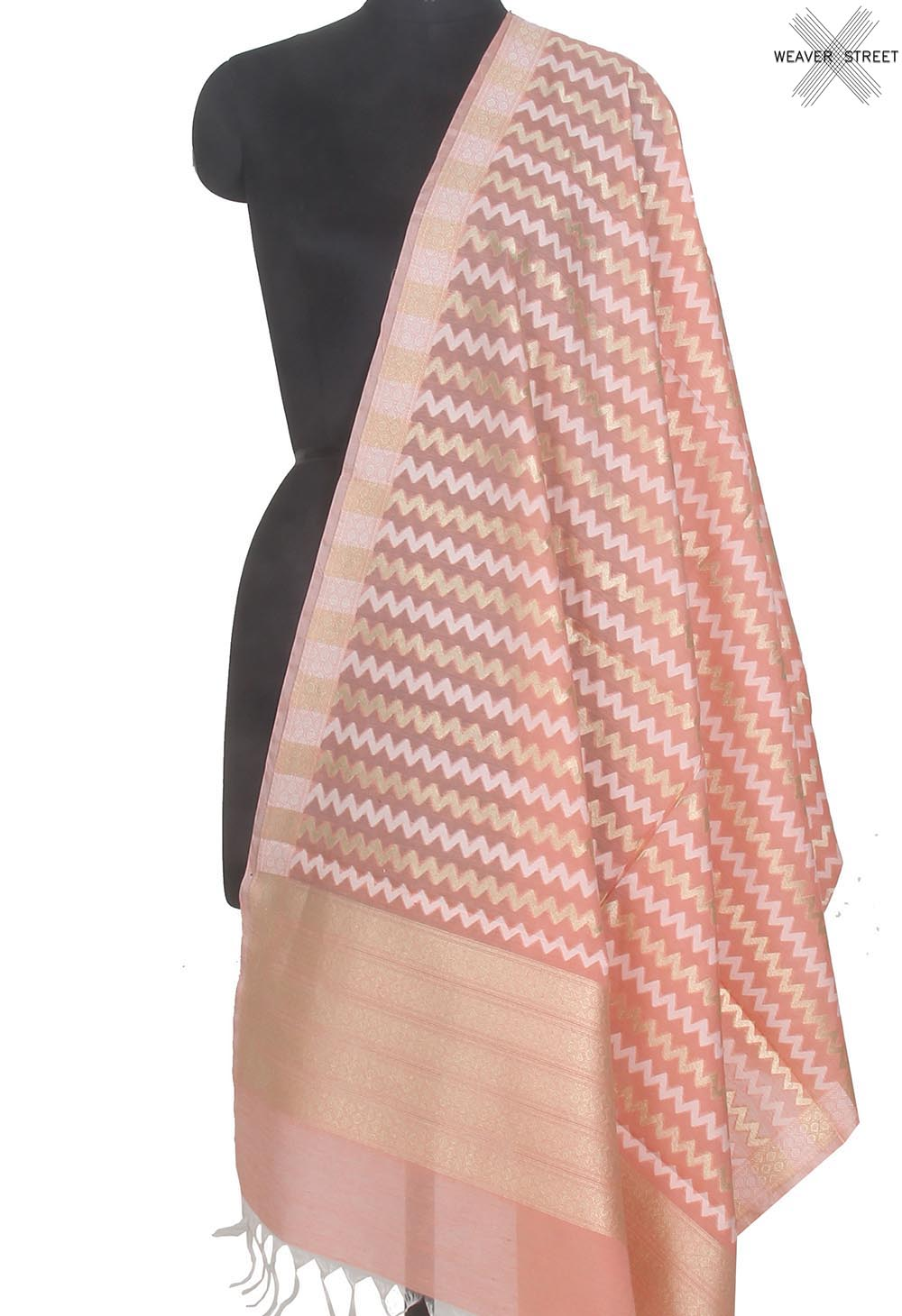 Peach silk cotton handwoven Banarasi dupatta with chevron jaal (1) Main