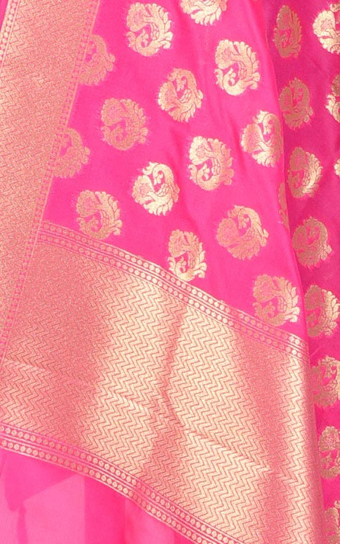 Pink Banarasi dupatta with peacock motifs (2) closeup