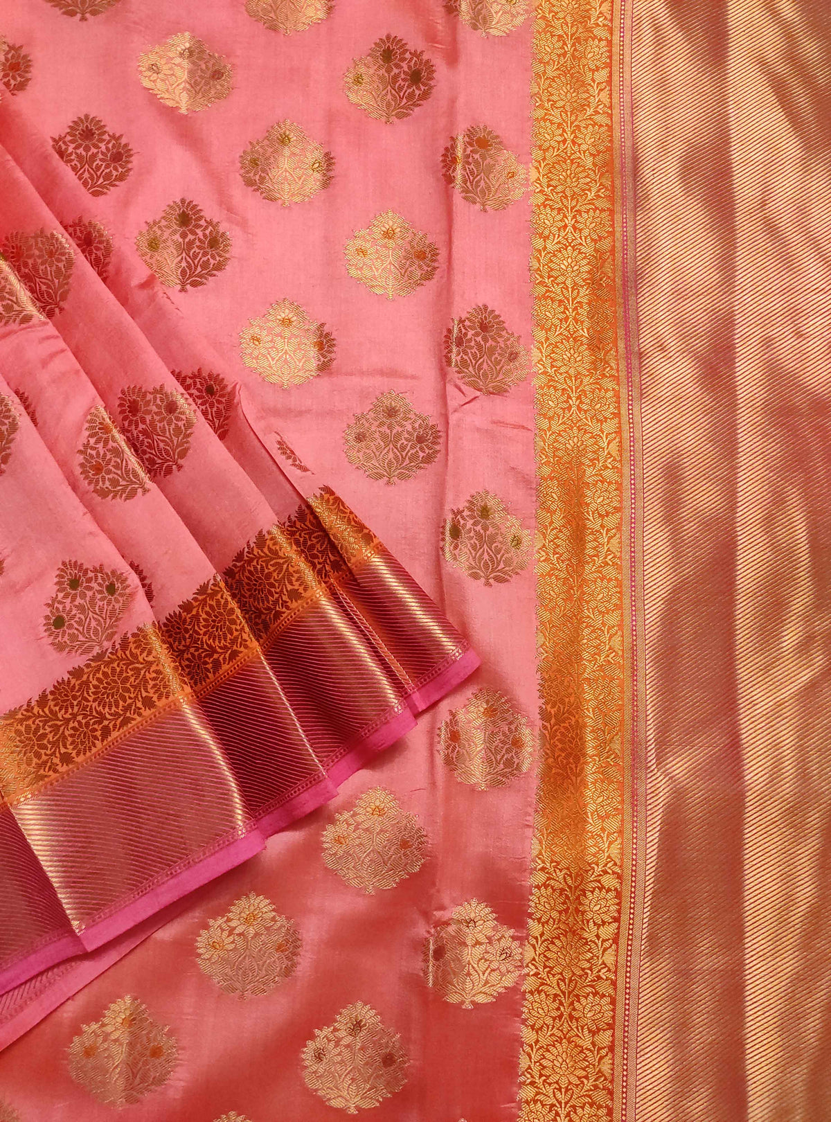 Pink muga chiniya silk Banarasi saree with handpainted meenedar flower booti (2) Close up
