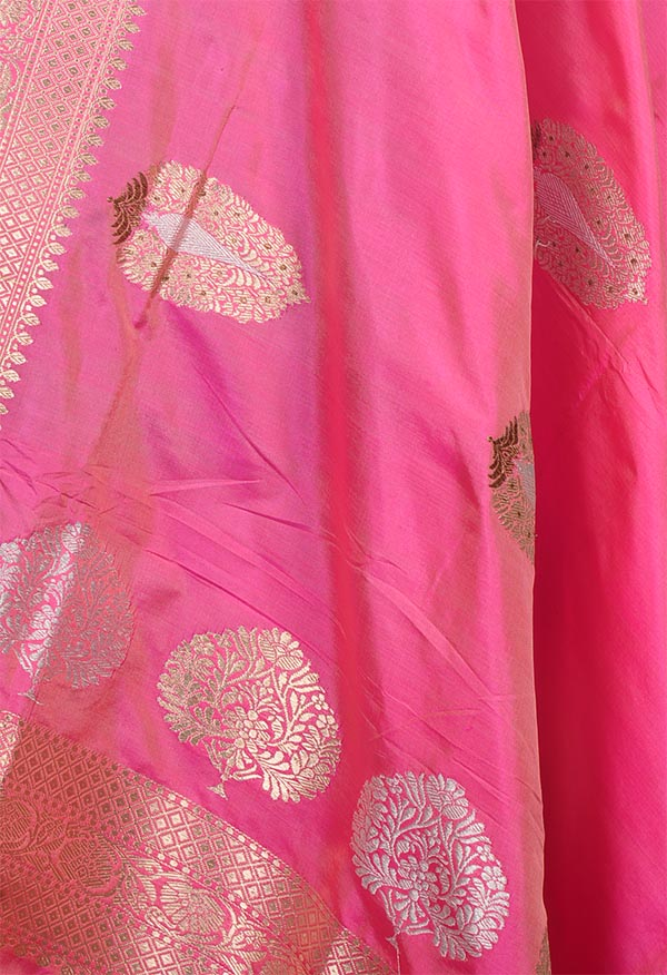 Pink katan silk handwoven Banarasi dupatta with tilfi kadhua boota (2) Close up