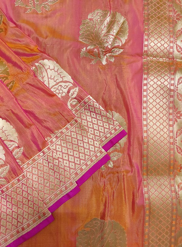 Pink orange katan silk handloom Banarasi saree with flower boota (2) close up