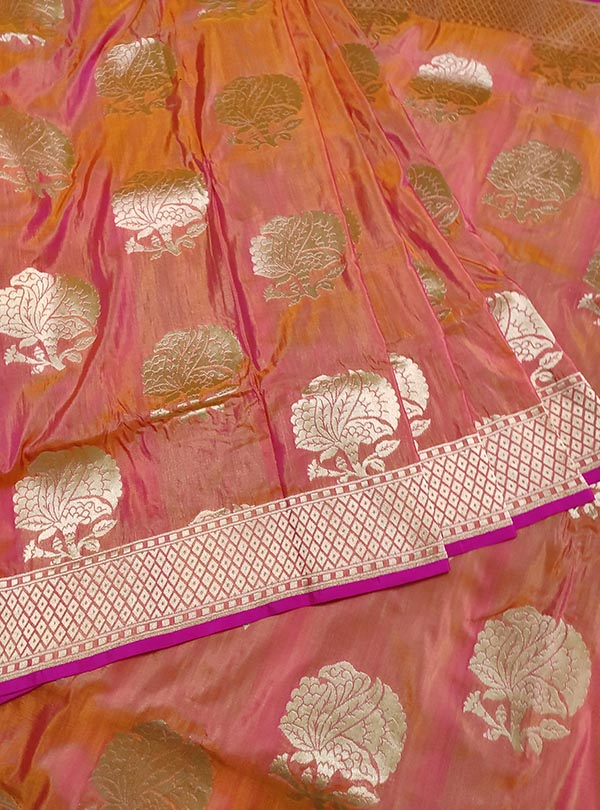 Pink orange katan silk handloom Banarasi saree with flower boota (3) center