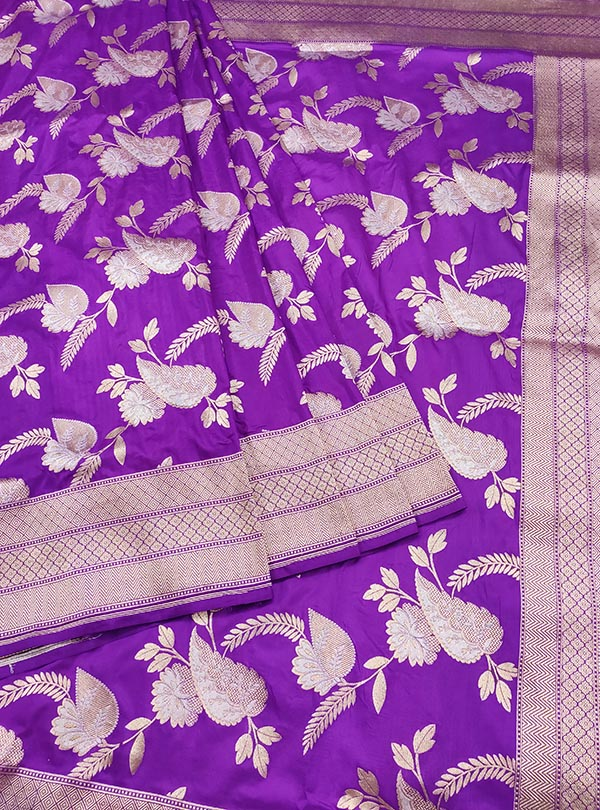 Purple Katan Silk handloom Banarasi saree with aesthetic sona rupa jaal (3) Center