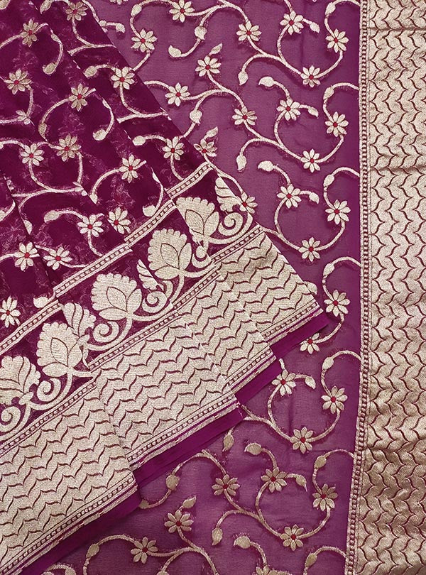 Purple Khaddi georgette Banarasi saree with meenedar delicate flower jaal (2) close up