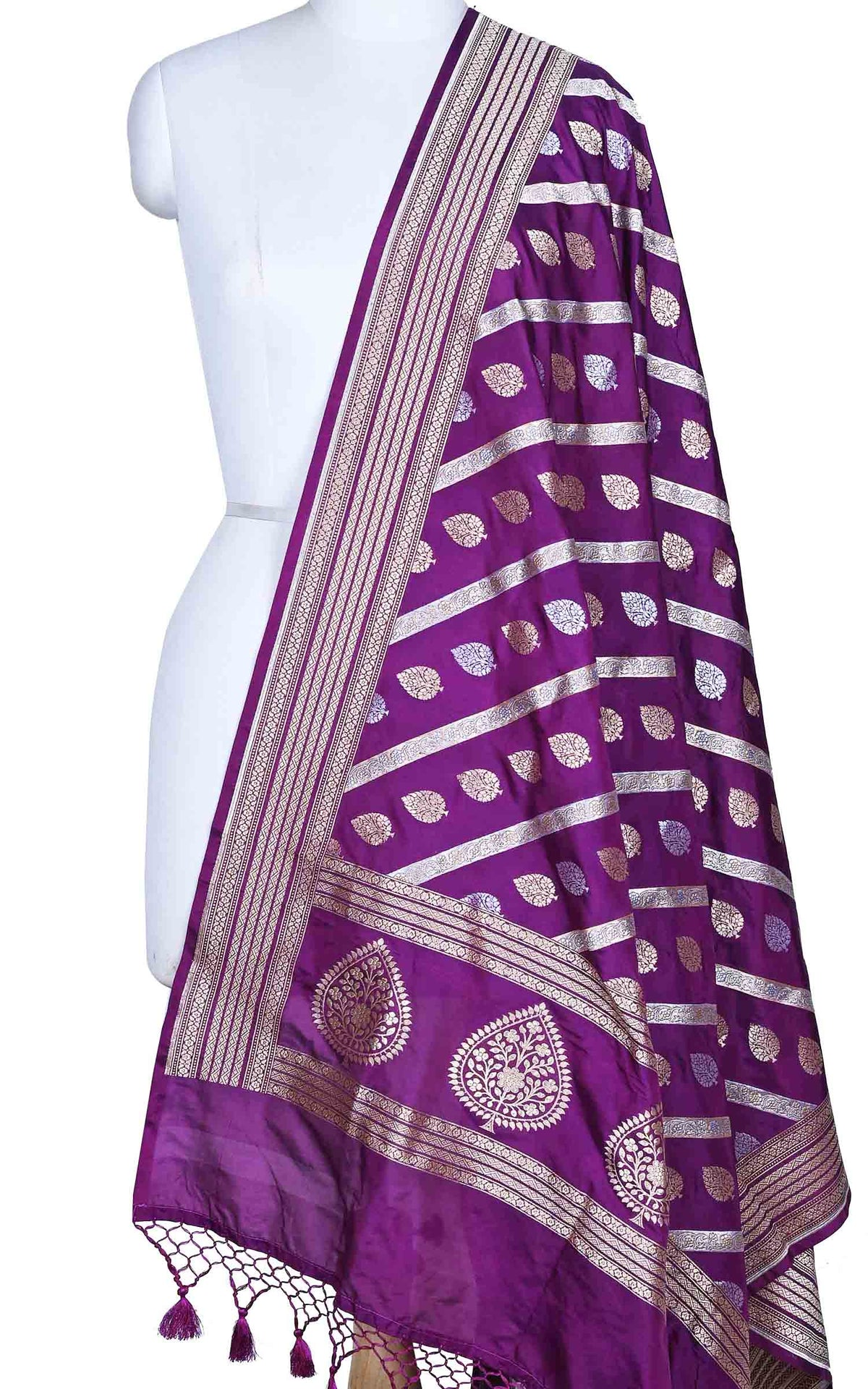 Purple katan silk Banarasi dupatta with diagonal leaf boota (1) Main