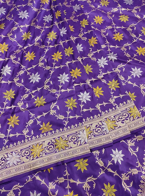 Purple katan silk handloom meenedar Kadwa Jangla Banarasi saree (3) center