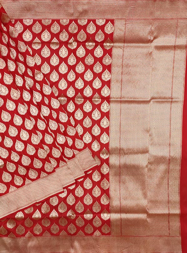Red Katan silk handloom Banarasi saree with stylized leaf shape booti (1) main