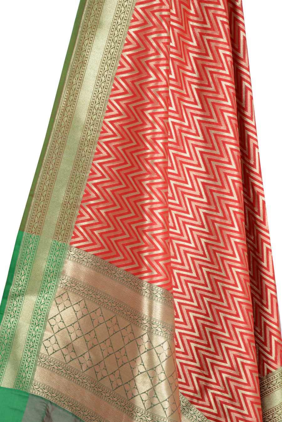 Red Art Silk Banarasi Dupatta with chevron pattern (2) Close up