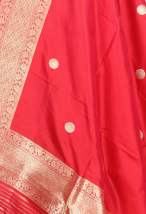 Red Katan Silk Handwoven Banarasi dupatta with kaduwa round booti (2) closeup