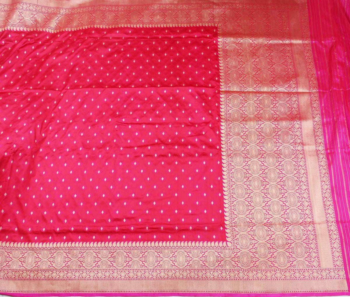 Red Katan Silk Handwoven Banarasi saree with meenedar tanchoi weave (2) flat